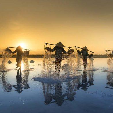 Vietnam-Salt-Worker-Travel-Photo.jpg