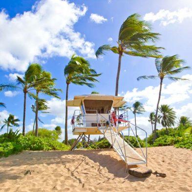 hawaii-beach-vacation-lifeguard-stand.jpg